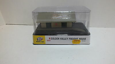 New Cornerstone N Scale Golden Valley Freight House 933-2611 (A1)