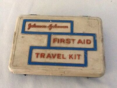 JOHNSON & JOHNSON First Aid Travel Kit Vintage '60's with contents