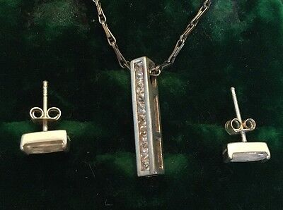 Beautiful Solid Silver 925 With White Stone Pendant Necklace & Earrings Set
