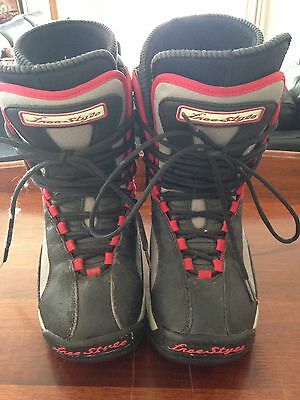 Freestyle Snowboard Boots Mens Size 9 / Womens Size 10