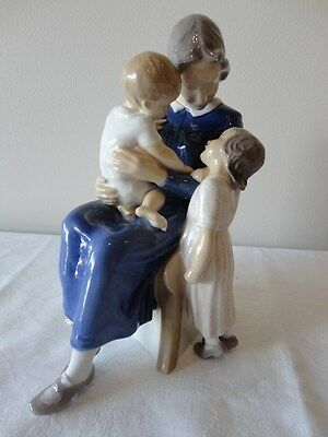 Bing and Grondahl Figure Happy Family