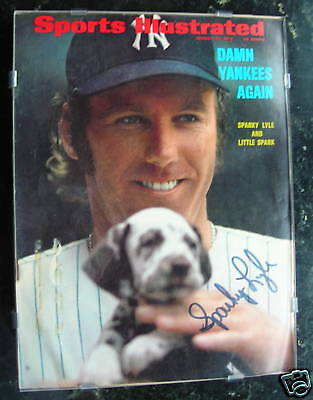 1972 SI Signed by Sparky Lyle