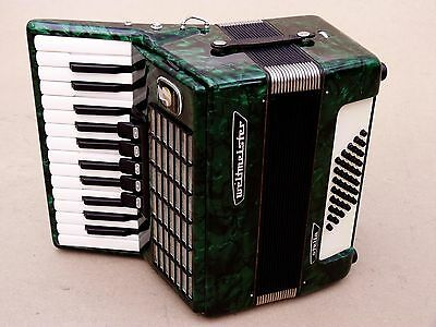 Very Nice Accordion Weltmeister Stella 40 bass .