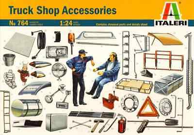 Italeri 1/24 Truck Shop Accessories Civilian Truck Modelling Kit 0764