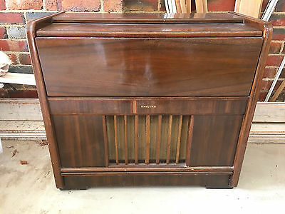 Vintage 1950s Philips Gramophone in Wooden Cabinet - Radio & Record Player