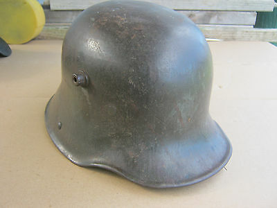 GERMAN WW1 M16 Combat helmet.