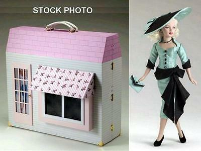 """Tonner Tiny Kitty DRESS SHOPPE Trunk +Miss Kitty 10"""" Doll Mannequin Table Chair"""