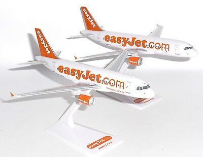 Airbus A319 & A320 Easyjet Airline Twin Set Of Desktop Models Scale 1:200 J