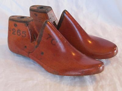 Old Shoe Last Form SIZE 7C Metal Heel Cobbler Mold Wood Antique Steward Potter