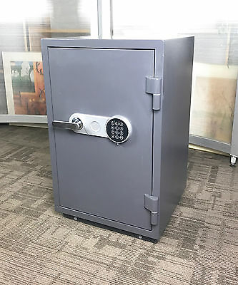 Salvus Torino 3 Fireproof Safe with1 hour Fire Rating with £2500 cash Rating