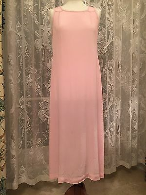 Vintage 1940's nightgown/dress Pink crepe Size 14/16 uk Very good.