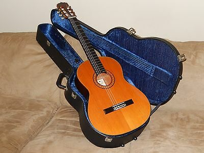 HAND MADE IN 1973 BY M. TAKEIRI ARIA AG30  CLASSICAL GUITAR IN MINT(y) CONDITION