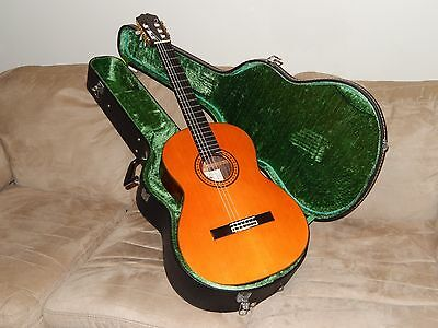 HAND MADE IN 1974 BY M. TAKEIRI ARIA SA30 CLASSICAL GUITAR IN MINTy CONDITION