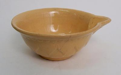 Antique Yellow Ware YELLOWWARE BATTER BOWL with Spout