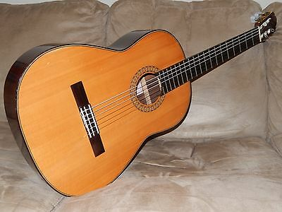 Hand Made In Japan 1972 Magui 200 Superb Classical Guitar In Excellent Condition