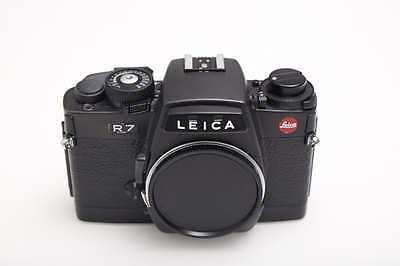 Leica R7 35mm SLR Film Camera Body Only BLACK - EXCELLENT CONDITION!