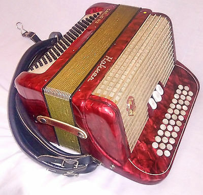 Very Rare Hohner Gaelic IVS 3 Row Button 96 Bass Accordion Instrument Red Bag