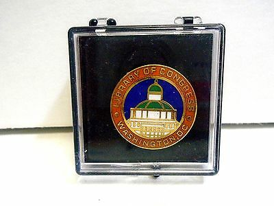 Library Of Congress Washington Dc Lapel Pin In Plastic Case Excellent Condition