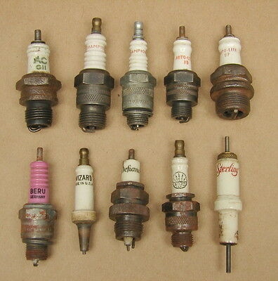 Vintage Spark Plugs Lot of 10 Champion AC Auto-Lite Wizard Beru Sterling Alvo