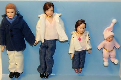 Dollhouse Miniature Doll Family Dad Mom Sister Baby Porcelain   1:12 Scale