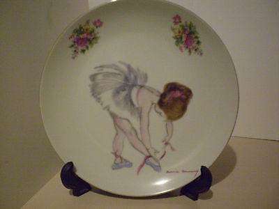"""Brownie Downing """"ballerina Tying Shoes"""" Wall/cabinet Plate Diam.20Cms Gorgeous !"""