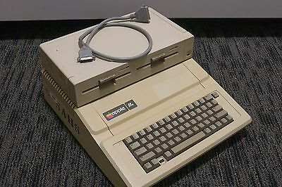 Apple IIe with Duodisk drive - Tested