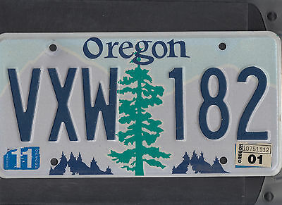 "OREGON passenger 2001 license plate ""VXW 182"""