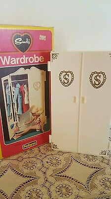 Sindy Doll Wardrobe Vintage Toy with Accessories In Box Pedigree