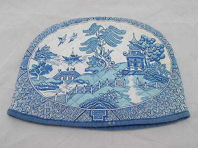 Vintage padded teapot cover cosy in a blue willow pattern