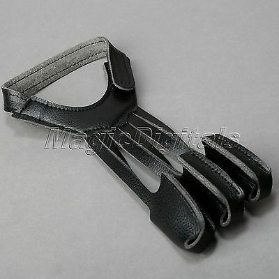 Comfortable Archers Cow Leather Shooting 3 Finger Glove Wrist Hook and Loop Belt