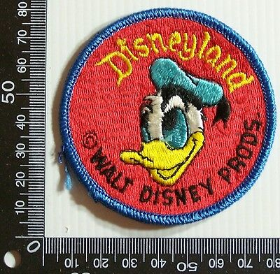 Vintage Walt Disney World Donald Duck Embroidered Patch Woven Cloth Sew-On Badge