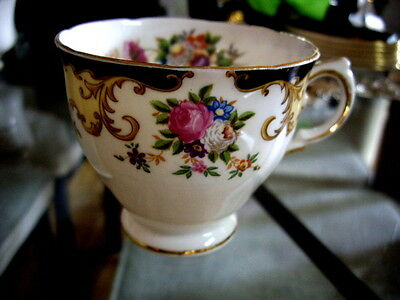 VINTAGE - TUSCAN - FINE ENGLISH BONE CHINA - Lorraine Pattern Cup - Circa 1940's