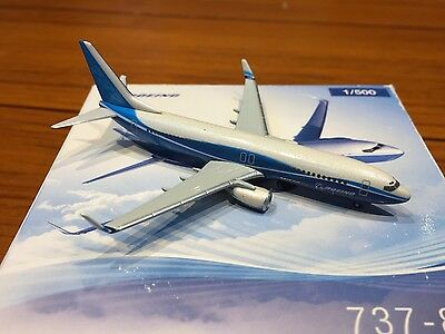 Boeing House Colours 737-800 Aircraft Model 1:500 Scale Herpa Wings VERY RARE