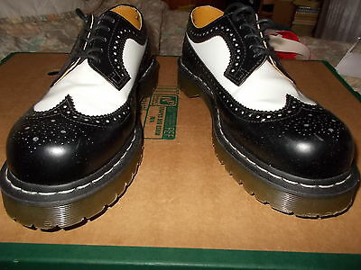 Dr Marten Airwair Black & White Brogue Shoes Uk Size 8 - White Stitching To Sole