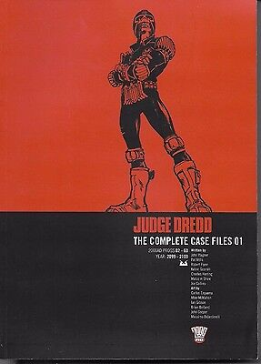 Judge Dredd Complete Case Files Vol. 1 - 2000 AD - Great Condition - TPB