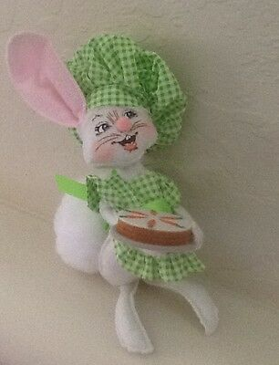 """Annalee ~ 2010 ~ Easter ~ """"Baking Bunny"""" ~  #200510 ~ NWT ~ Free Shipping"""