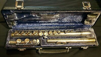 W. T. Armstrong Flute Elkhart-Ind Model 104 Student Flute w case