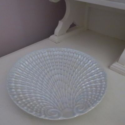 Lovely vintage lustre shell serving plate