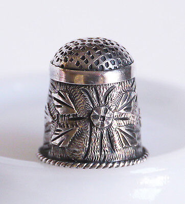 98% sterling silver Mexico Taxco handmade floral thimble