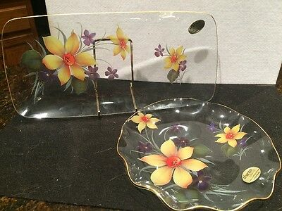 2 Vintage Chance Glass Decorative Plates Daffodil Springtime Made in England