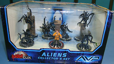 Unopened Aliens Horrorclix Collector's Edition 7 Figures AVP Unopened Box (2006)