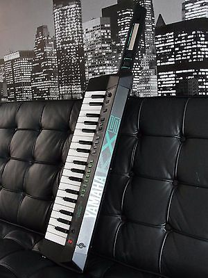 Yamaha Kx5 Keytar 80s Vintage exceptionally excellent condition!!! + carry case