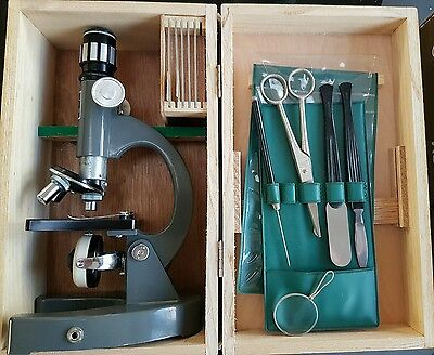 Vintage Monolux microscope 6030 750X fully boxed, wood case, working lamp old