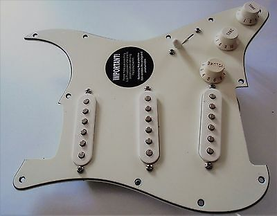 NEW- PICKGUARD FENDER MIM STRATOCASTER loaded parchment pour guitare Fender