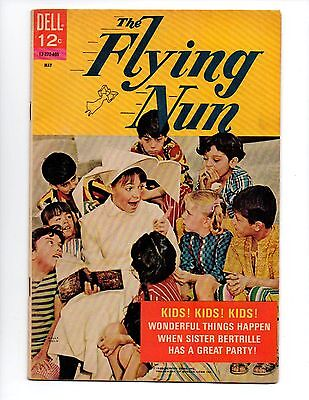 """The Flying Nun #2 (May 1968, Dell) FN 6.0 """"SALLY FIELD PHOTO-C"""""""