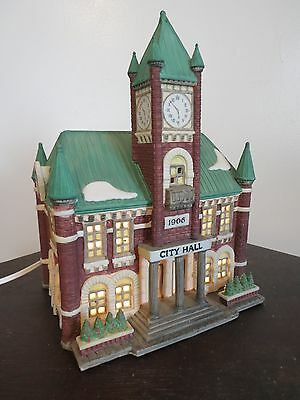 Dept 56 Christmas in the City Series #5969-2 City Hall MIB