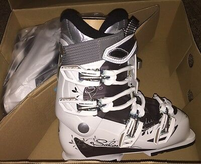 New Size 6.5 Salomon Women's Ski boots DIVINE ALU Shrew Starlight White 23.5