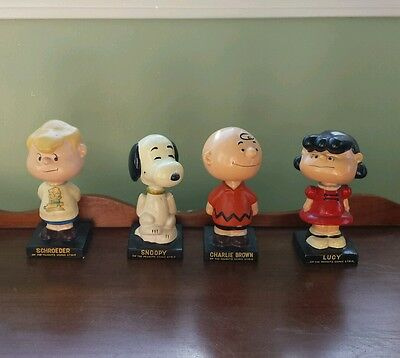 Set of 4 Charlie Brown Peanuts Gang Bobbleheads Lego Great condition