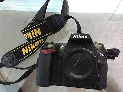 Nikon D D90 12.3MP Digital SLR Camera Black Body - with Charger & Battery