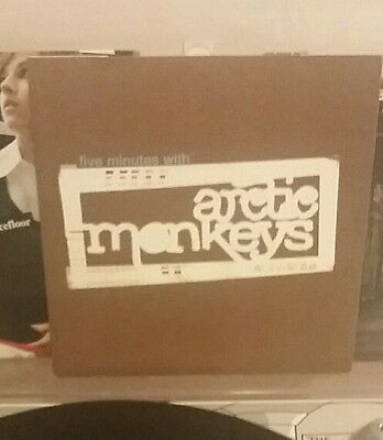 """Arctic Monkeys 5 Minutes With 7"""" Inch Vinyl Mint Condition"""